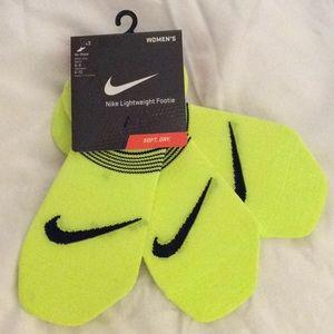 NWT Nike Lightweight Footie socks